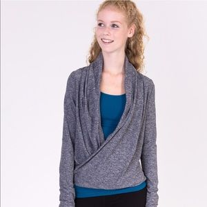 Ivivva by lululemon NWOT Grey shrug sweater 10